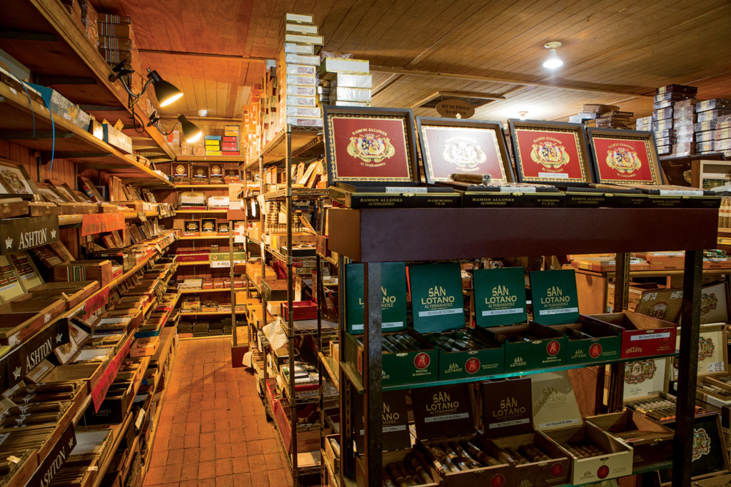 Stag Tobacconist's humidor